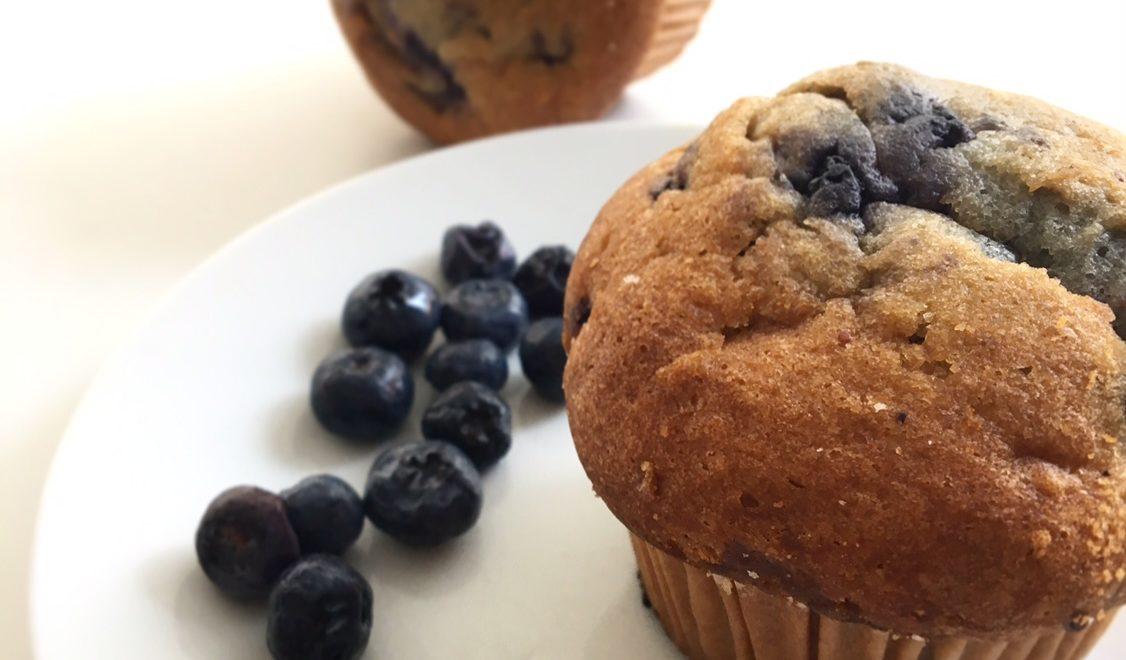 Muffin ai mirtilli neri senza glutine