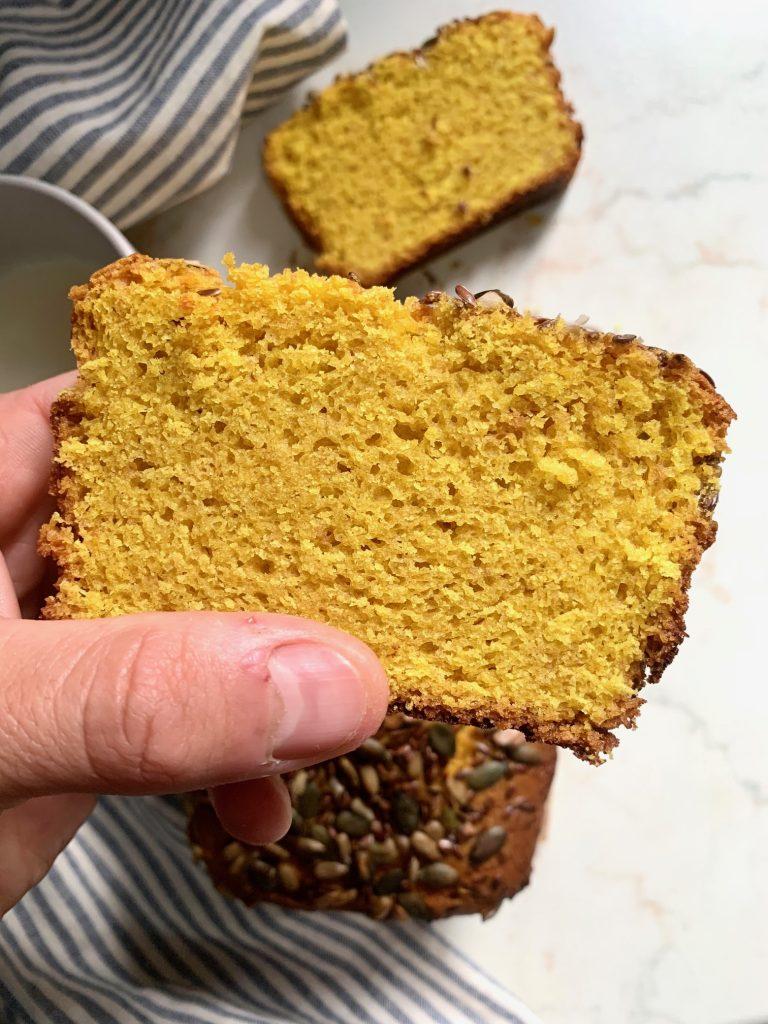 Plumcake alla Curcuma super soffice senza glutine e vegan
