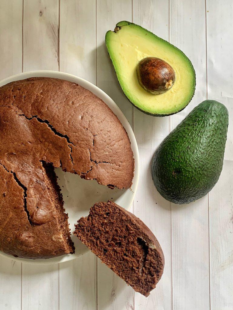Torta al cioccolato e avocado senza glutine e vegan