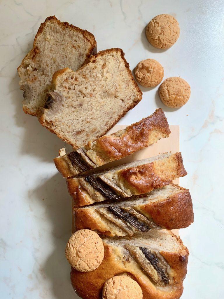 Banana bread agli amaretti senza latte e senza glutine