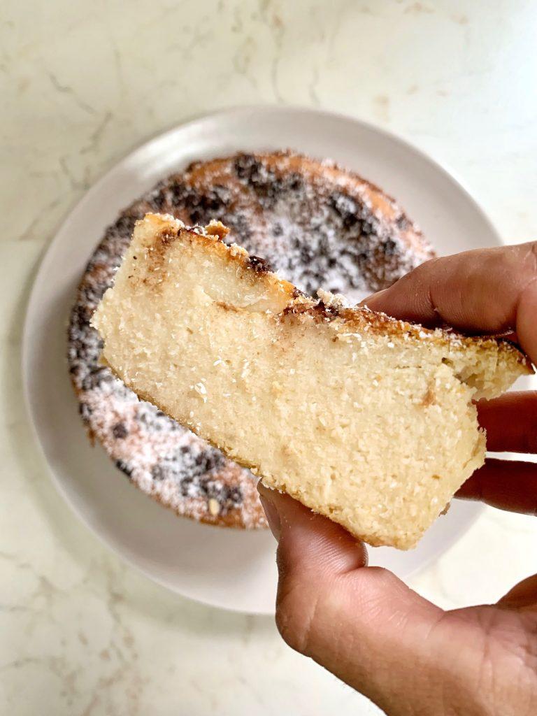 Torta cremosa al cocco senza farina e senza glutine