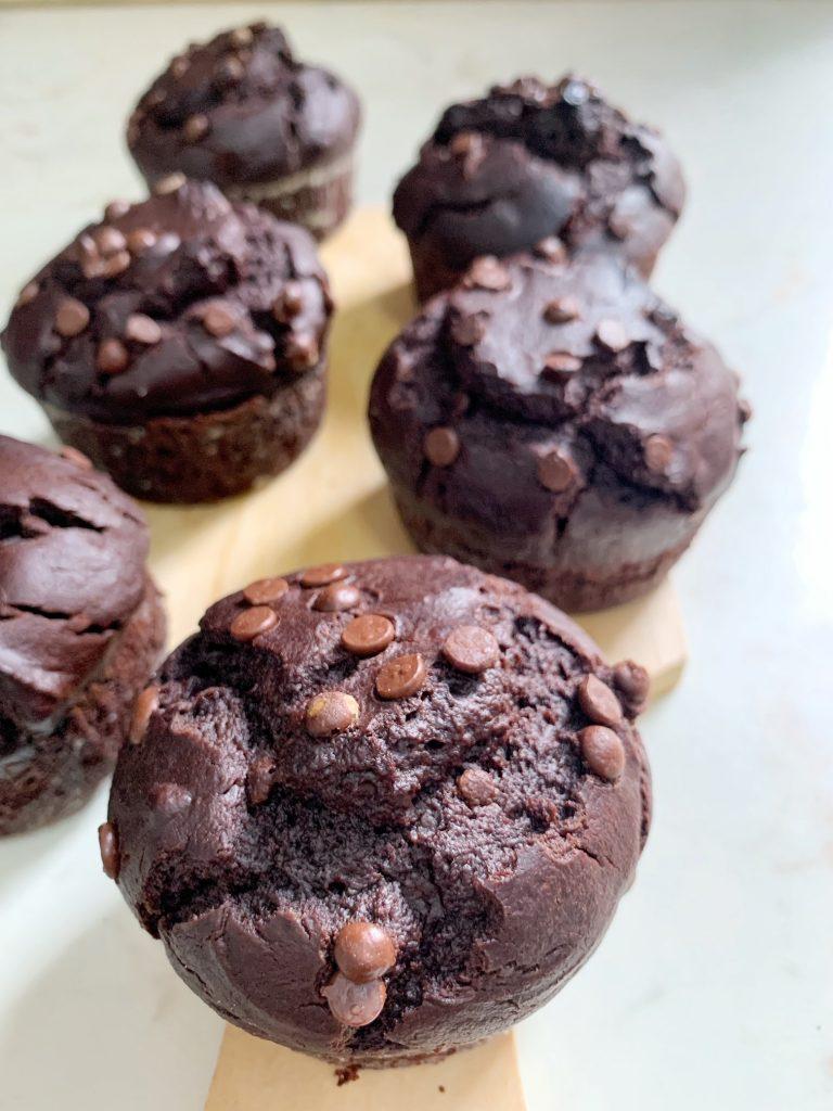 Muffin triplo cioccolato senza latte e senza uova